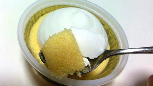 プレミアムロールケーキアイス (3)