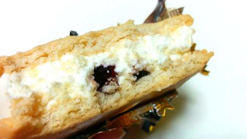 木苺のレアチーズケーキサンドアイス (3)