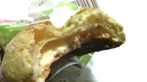 ローソン「メロンパンみたいなシュークリーム」