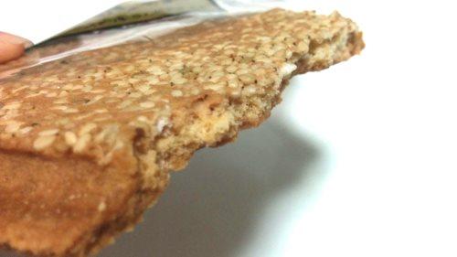 佐々木製菓 「厚焼せんべい 白ごま」