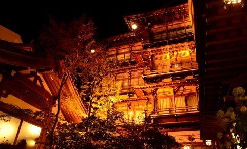 千と千尋の神隠しの舞台モデルとなった旅館!長野や群馬等. 渋温泉
